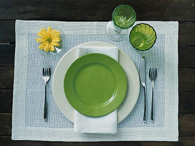 Interni d 39 autore arredamenti come apparecchiare la tavola - Apparecchiare la tavola bicchieri ...